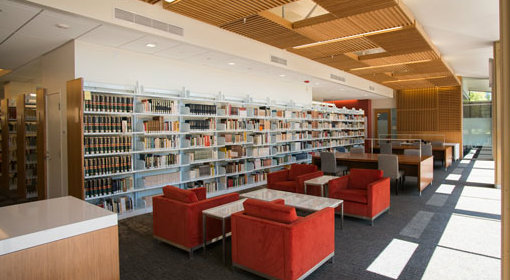 A comfortable reading room in Stanford's new Lathrop Library will beckon students when it opens Sept. 15, just in time for New Student Orientation. Photo credit: L.A. Cicero